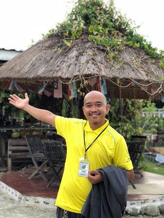 Borneo Ant House : our manager mr.jusni AKA manja