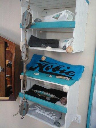 Ile-Tudy, France: le kiosk Tudy,  pour les amateurs de cata ...
