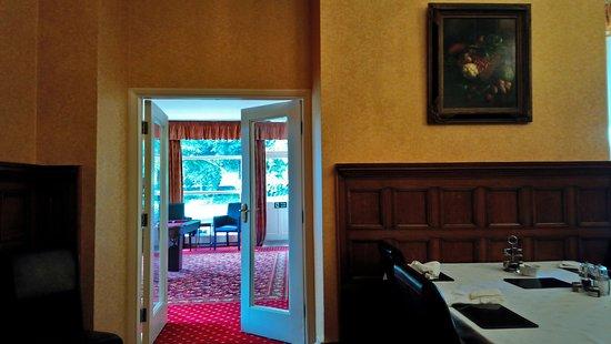 Thornton Rust, UK: Dining room through to lounge