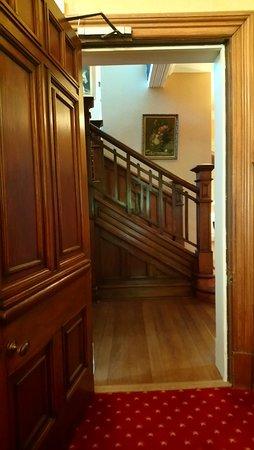 Thornton Lodge: classic interior