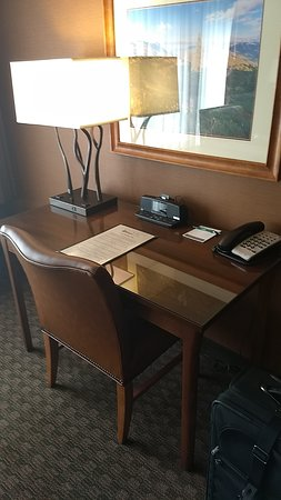 Olympic Lodge: Desk with outlets & USB charging ports on lamp