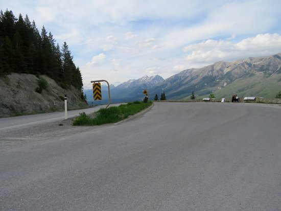 Kootenay Valley Viewpoint: The eastbound parking area