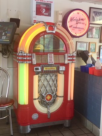 Wright's Dairy Rite : Juke Box