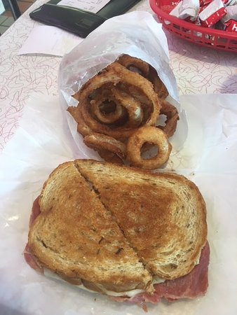 Wright's Dairy Rite : Fabulous Reuben and Onion Ring