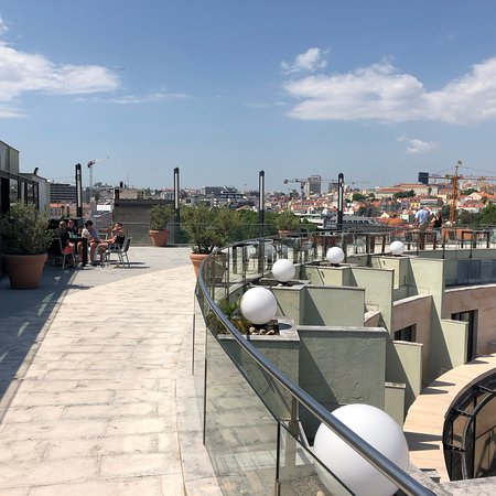 VIP Executive Éden Aparthotel: Views from the roof terrace at the hotel