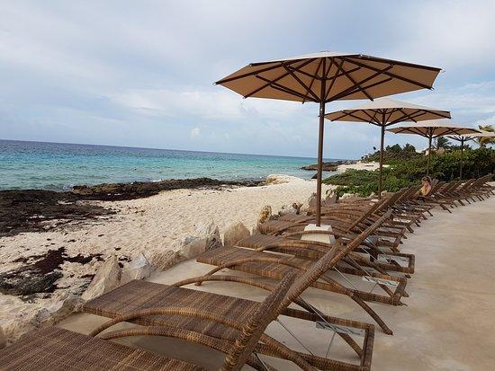 Hotel Xcaret Mexico: Playa conservada lo mas natural posible