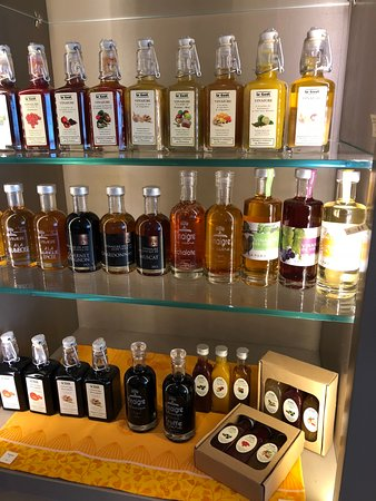 Domaine de Valdition: Local olive oils and vinegars