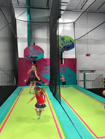 Shell We Bounce Trampoline Park : Shell We Bounce Basketball courts