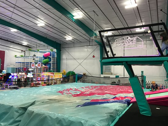Shell We Bounce Trampoline Park : Shell We Bounce Jump-off