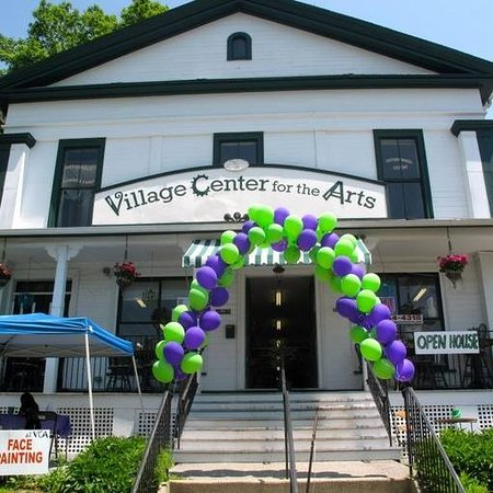 New Milford, CT: Village Center for the Arts - Walk in Welcome!
