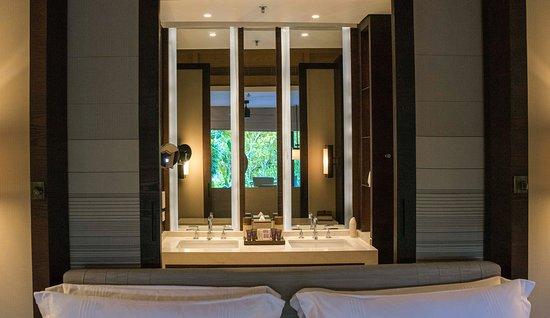 The Ritz-Carlton, Bali : the Ritz-Carlton Cliff Villa Terrace