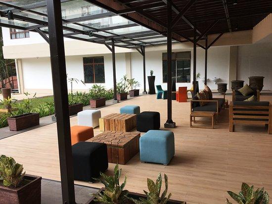 Sijori Resort & Spa: lobby waiting area