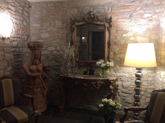 Fortunago, Włochy: accoglienza