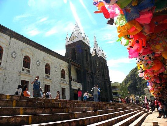 Los Rios Hotel: Iglesia de Baños de Agua Santa
