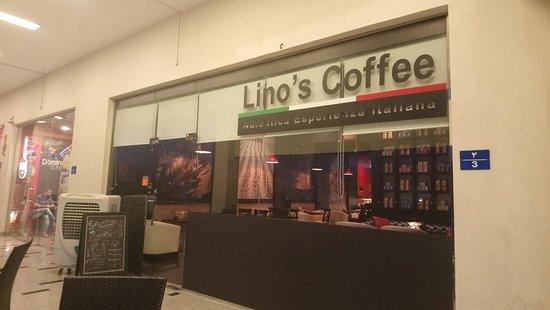 Lino's Coffee: Outside View