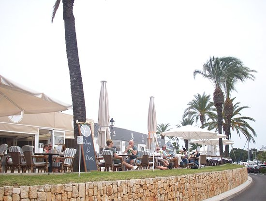 Minitrenit: Restaurants in the Marina