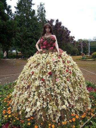 Botanical Gardens: Flower Show Doll
