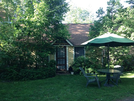 Inlet, NY: The Rhode Isle Cottage