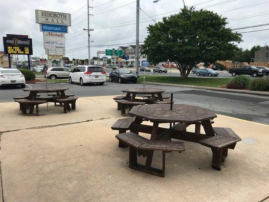 Outdoor Seating at Taco Bell Rehoboth (NO Umbrellas)