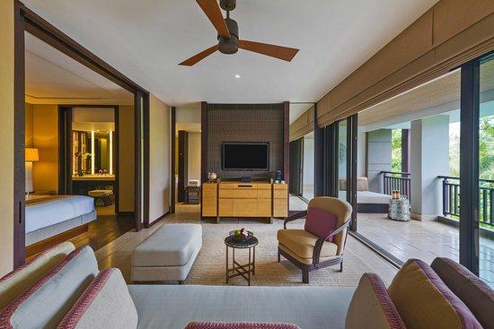 The Ritz-Carlton, Bali: The Ritz-Carlton Suite 1 Bedroom Living Area