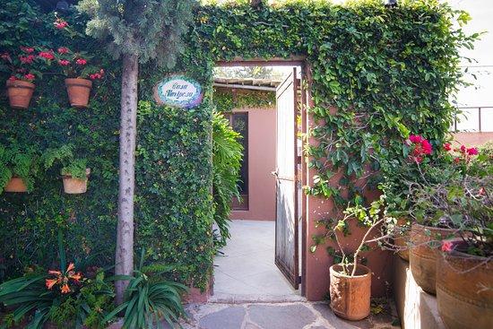 Las Terrazas San Miguel: Entrance Casita Mariposa