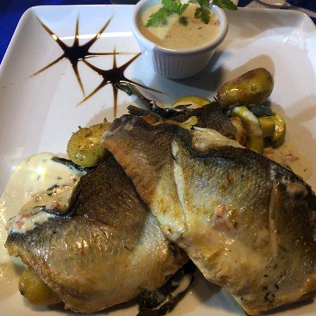 Vassos Psarolimano: Любителям рыбки без кости/филе/сибас с соусом шампань!!!!С молодой поджаренной картошечкой!‼️ОСТ