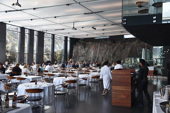 Lava Restaurant: Restaurant, robes welcome