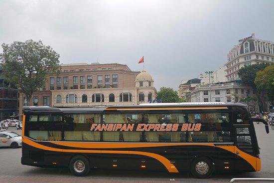 ฮานอย, เวียดนาม: Fansipan Express Bus - deluxe high quality sleeping bus Ha Noi to Sapa