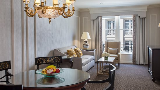 Willard InterContinental Washington: Executive Suite with King Bed and Pennsylvania Avenue View