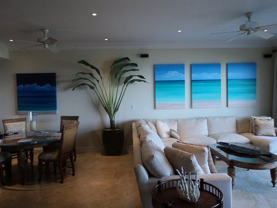 Making Waves Art and Events Studio: Extra large triptych at Regent Grand hotel