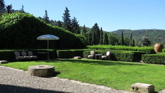Pievescola, Italy: les jardins