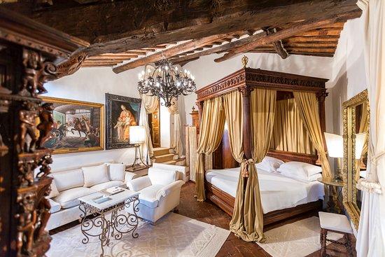 Pievescola, Ý: suite papale