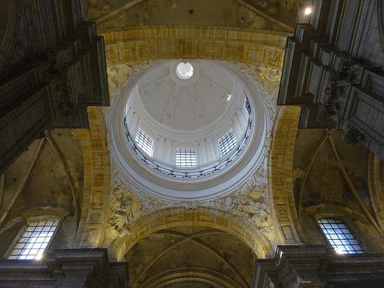 Parochie Onze-Lieve-Vrouw Sint-Pieters Gent: de imposante koepel