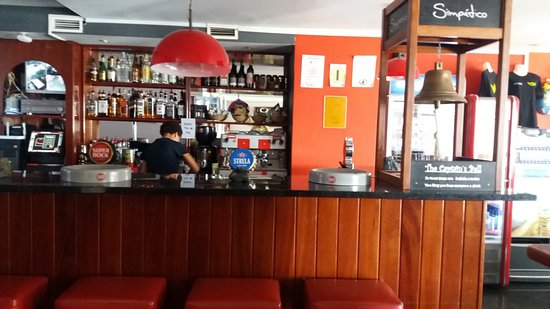 Simpatico Sports Bar : HIGH QUALITY INTERIOR, WIDE RANGES DRINKS
