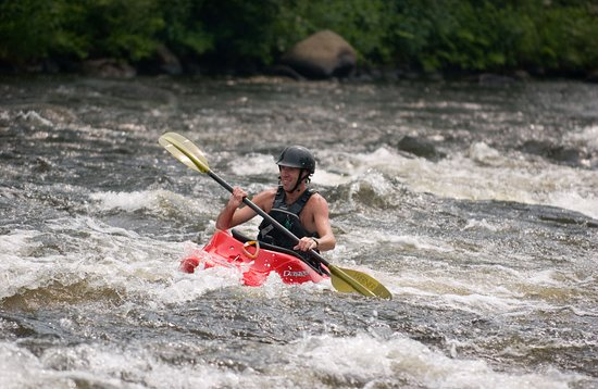 Great Glen Trails Outdoor Center : Whitewater Kayak Trips