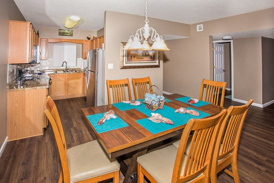 Whispering Pines Condominiums : Whispering Pines Vacation Condo Rental, Downtown Pigeon Forge, 541, Mountain View 3 Bed 3 Bath