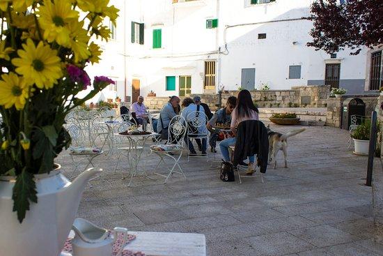 Controtendenza Caffé: Relax in piazzetta