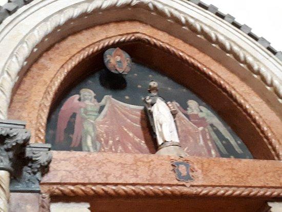 圣亚纳大削堂照片