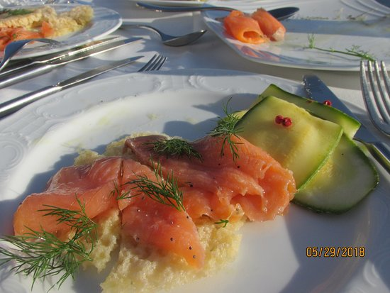 Fanari Restaurant: Smoked Salmon & Zuccini with Feta cheese Appetizers