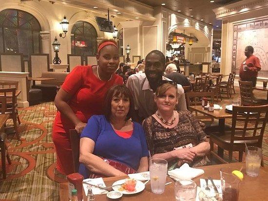 The Buffet at Harrah's照片