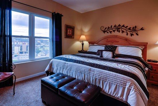 Whispering Pines Condominiums照片