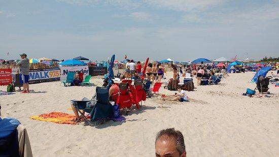 Jones Beach State Park: Beach view to right