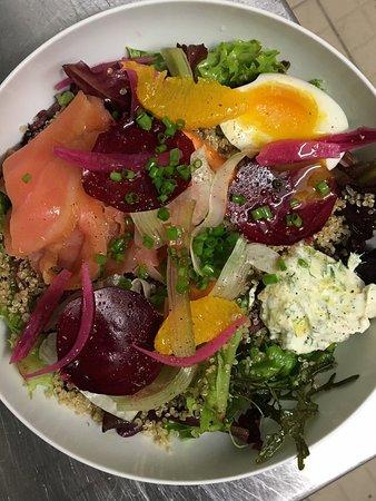 papa sapiens: la belle salade du déjeuner