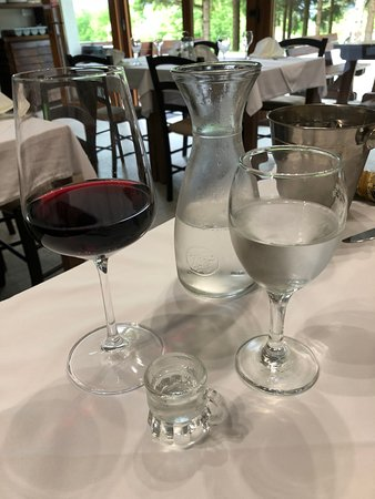 Villa Angy: Complimentary Plum Schnapps and a glass of house red