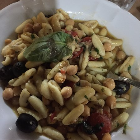 La Terrazza: Stunning cod with chickpeas and pasta love this place
