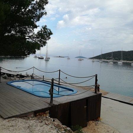 Prvic Sepurine, Croatie : Water boarding pool.