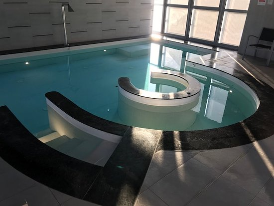 Crowne Plaza Hotel Verona - Fiera : Piscina
