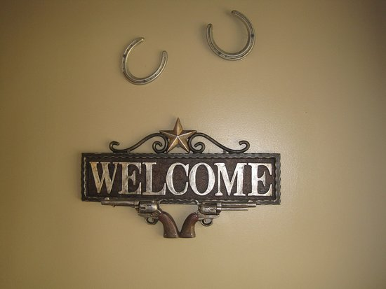 Morehead, KY: Reno's Welcome sign
