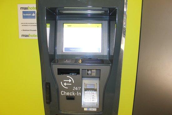 Maxhotel: Máquina do check in