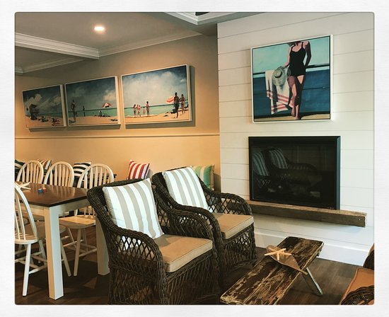 On The Beach Bed & Breakfast: Our Lobby/Dining area after the renovations!